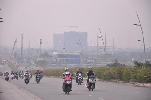 Gần trưa, Sài Gòn vẫn ẩn hiện trong sương mù - 6