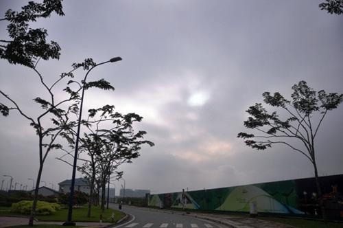 Gần trưa, Sài Gòn vẫn ẩn hiện trong sương mù - 8