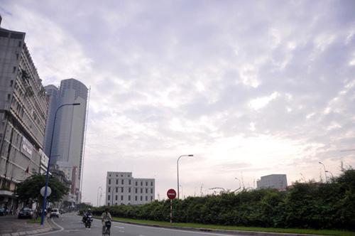 Gần trưa, Sài Gòn vẫn ẩn hiện trong sương mù - 9