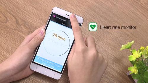 Smartphone Nhật giá rẻ thu hút giới trẻ Việt - 5
