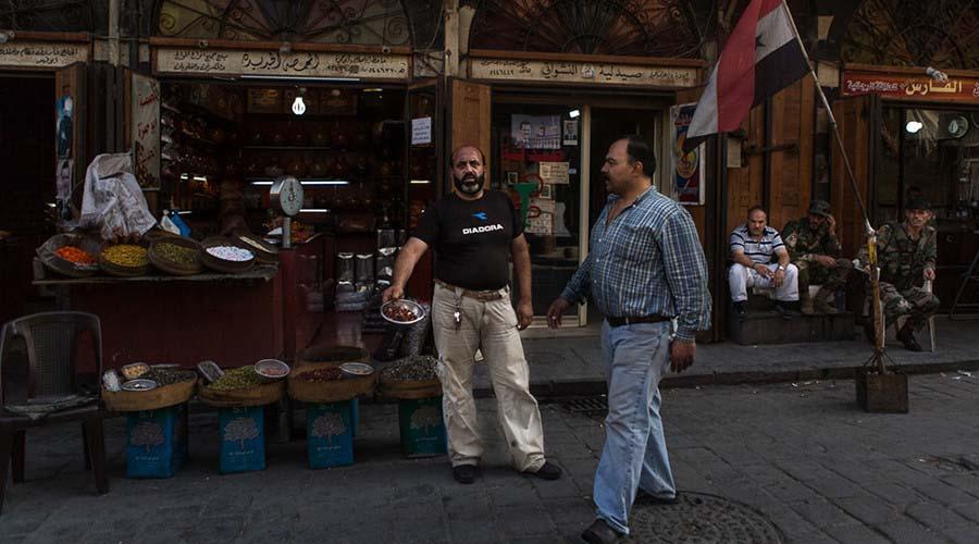 Ảnh: Cảnh thanh bình hiếm hoi trong đổ nát ở thủ đô Syria - 12