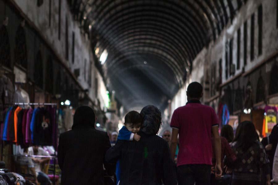 Ảnh: Cảnh thanh bình hiếm hoi trong đổ nát ở thủ đô Syria - 8