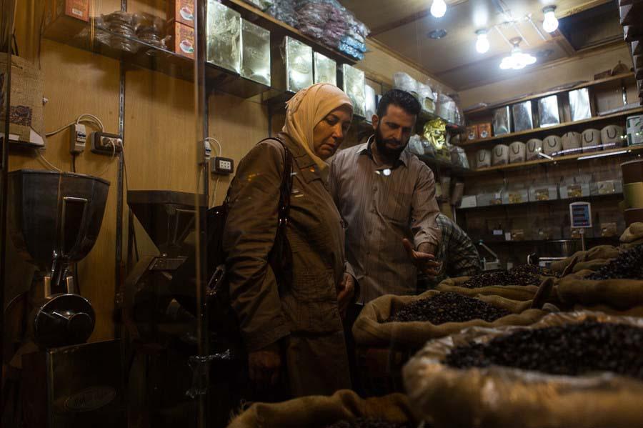 Ảnh: Cảnh thanh bình hiếm hoi trong đổ nát ở thủ đô Syria - 11