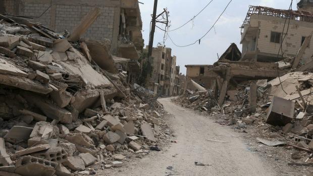 Ảnh: Cảnh thanh bình hiếm hoi trong đổ nát ở thủ đô Syria - 4
