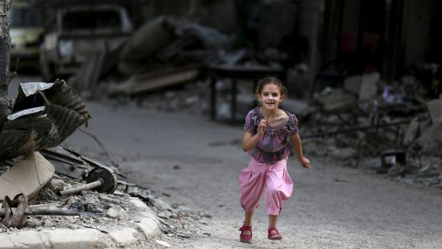 Ảnh: Cảnh thanh bình hiếm hoi trong đổ nát ở thủ đô Syria - 9