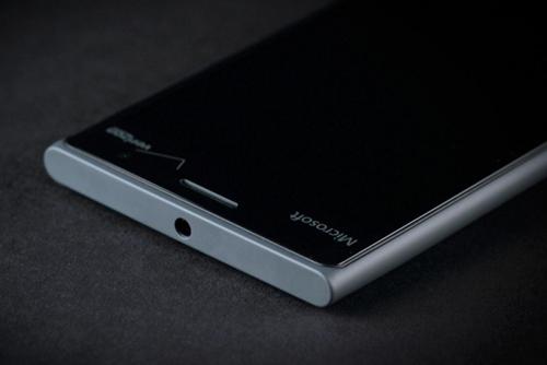 Đánh giá Lumia 735: Cấu hình thấp, nhưng pin bền - 7