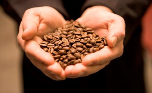 4 tác dụng làm đẹp kỳ diệu từ cà phê - 1