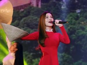 Ca nhạc - MTV - Hà Hồ khoe đường cong quyến rũ khi diện áo dài