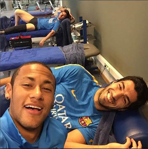 Hé lộ Barca: Messi, Neymar, Suarez kết thân ra sao - 1