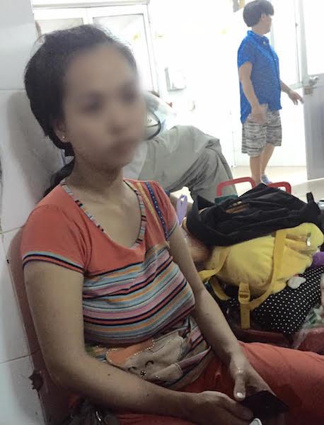 Gửi nhà trẻ, bé 13 tháng tuổi bị chấn thương sọ não - 1