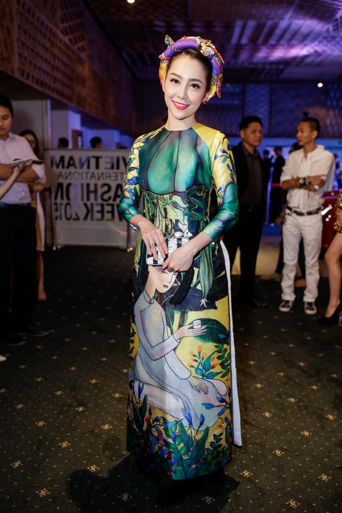 """Helly Tống, Phương Linh """"gây mê"""" với áo dài cách tân - 3"""