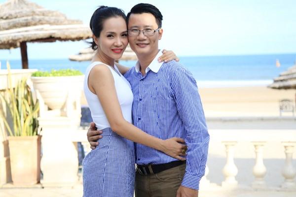 """Sao Việt không ngại nói chuyện """"yêu"""" ở nơi đông người - 1"""