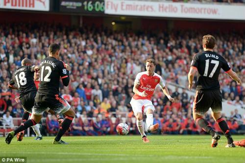 Bạo chi vào tháng Giêng, Arsenal nhắm SAO Real - 1