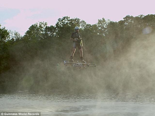 Video: Ván trượt khí giúp con người bay như phim - 2