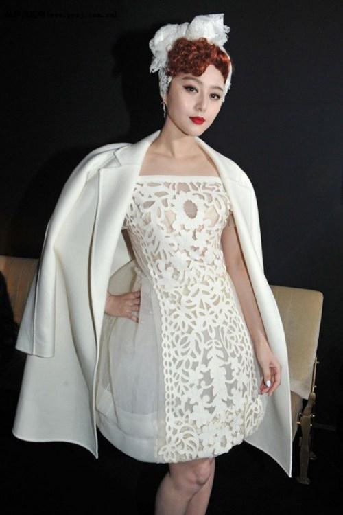 Sức hút tuyệt vời từ những chiếc váy ren trắng - 10