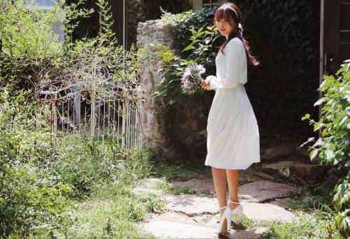 Sức hút tuyệt vời từ những chiếc váy ren trắng - 11