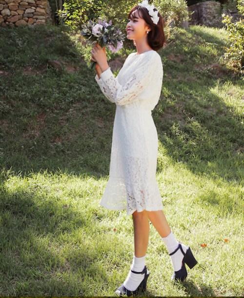 Sức hút tuyệt vời từ những chiếc váy ren trắng - 14