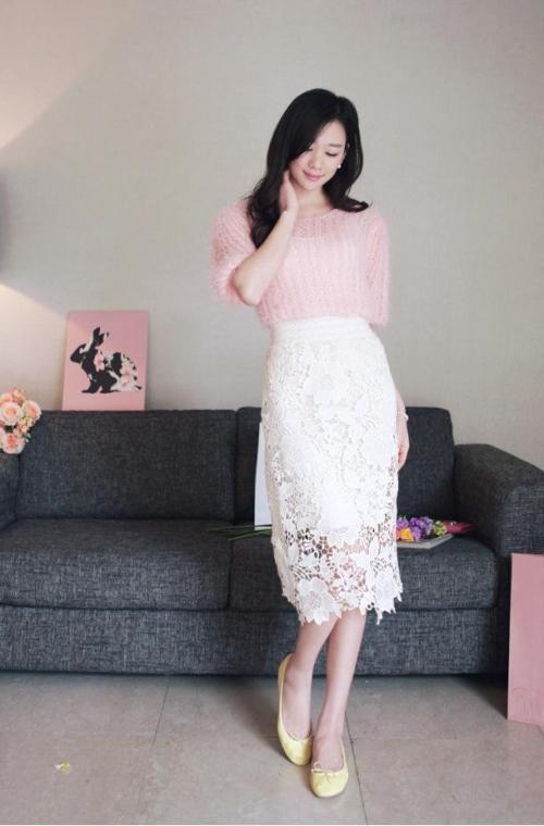 Sức hút tuyệt vời từ những chiếc váy ren trắng - 4