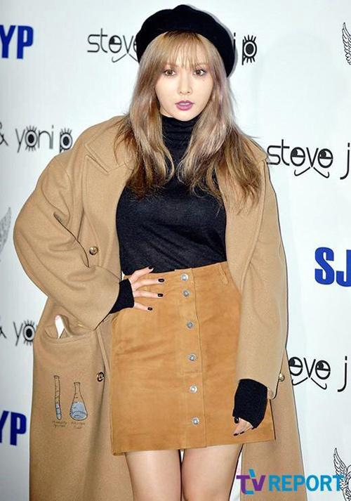 """Mỹ nữ khoe lưng, """"giấu quần"""" ở tuần thời trang Seoul - 4"""