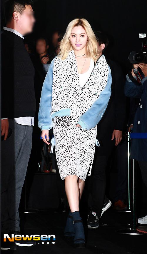 """Mỹ nữ khoe lưng, """"giấu quần"""" ở tuần thời trang Seoul - 6"""