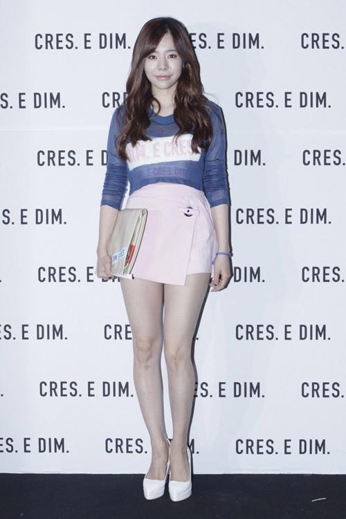 """Mỹ nữ khoe lưng, """"giấu quần"""" ở tuần thời trang Seoul - 13"""