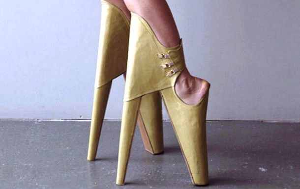 """Những đôi giày cao gót """"bá đạo"""" nhất thế giới - 1"""