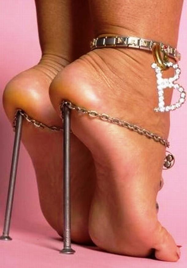 """Những đôi giày cao gót """"bá đạo"""" nhất thế giới - 4"""