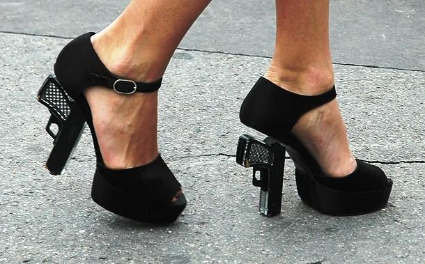 """Những đôi giày cao gót """"bá đạo"""" nhất thế giới - 5"""
