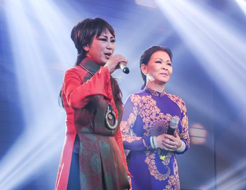 Khánh Ly xúc động khi hát tại quê hương chồng quá cố - 9