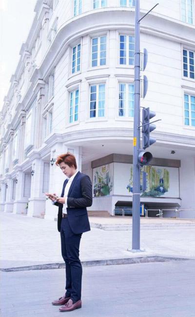 Nhà thiết kế trẻ Eric Nguyễn diện suit đẹp như trai Hàn - 7