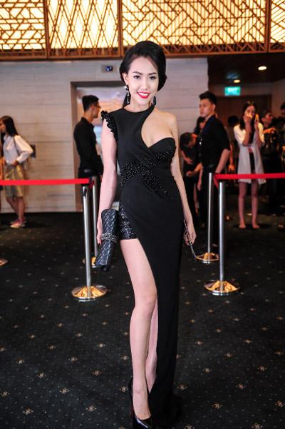 Hotgirl Joxy Thùy Linh đẹp sang trọng đi dự event fashion week - 5