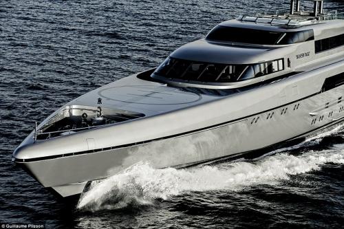 Hạ thủy du thuyền siêu tốc của giới siêu giàu - 8
