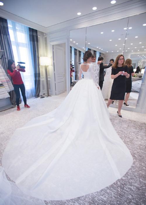 Váy tiền tỷ của Angelababy bị nhái, bán siêu rẻ - 6