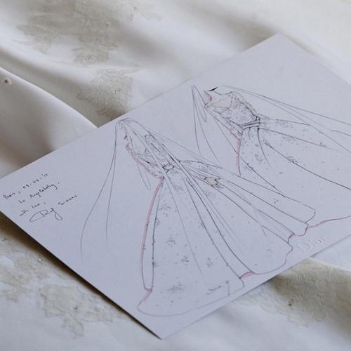 Váy tiền tỷ của Angelababy bị nhái, bán siêu rẻ - 2