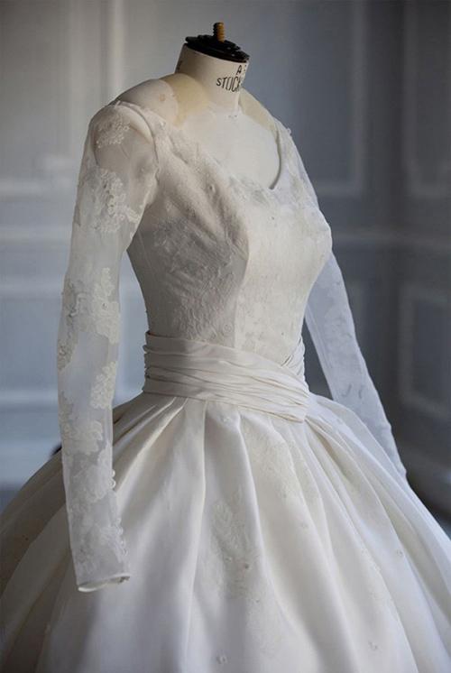 Váy tiền tỷ của Angelababy bị nhái, bán siêu rẻ - 4