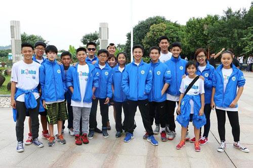 14 học sinh Việt gặp gỡ huyền thoại bóng rổ thế giới - 3