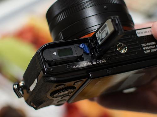Máy ảnh Sony RX1R II: Thiết kế nhỏ gọn, hiệu suất mạnh mẽ - 7
