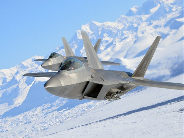 Điểm yếu nghiêm trọng trên siêu tiêm kích F-22 Raptor của Mỹ - 1