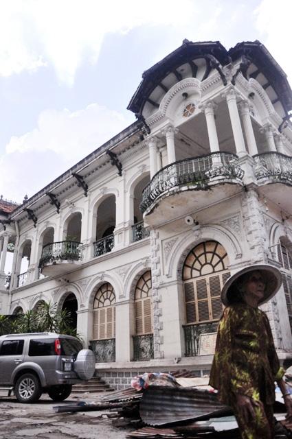 Ngắm biệt thự cổ giá gần 35 triệu USD giữa Sài Gòn - 4