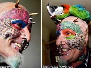 Phi thường - kỳ quặc - Dị nhân cắt tai, cấy mỏ để... trông giống vẹt