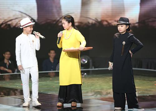 Cậu bé nghèo xuất sắc vào chung kết The Voice Kids - 2