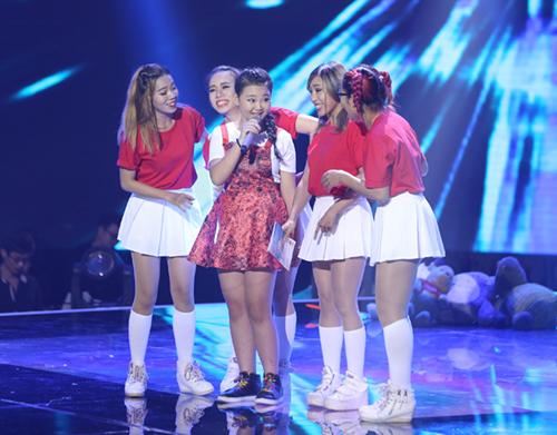 Cậu bé nghèo xuất sắc vào chung kết The Voice Kids - 11