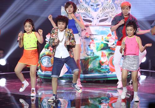 Cậu bé nghèo xuất sắc vào chung kết The Voice Kids - 7