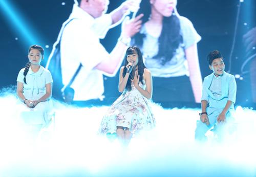 Cậu bé nghèo xuất sắc vào chung kết The Voice Kids - 12