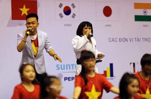 Cảm động với những võ sĩ khiếm thị tại Giải Judo quốc tế Việt Nam 2015 - 1