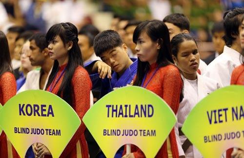 Cảm động với những võ sĩ khiếm thị tại Giải Judo quốc tế Việt Nam 2015 - 2