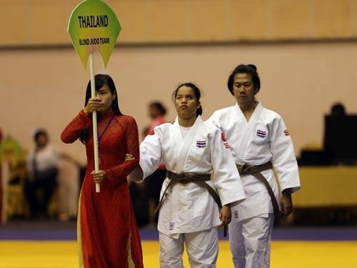 Cảm động với những võ sĩ khiếm thị tại Giải Judo quốc tế Việt Nam 2015 - 3