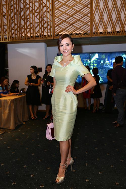 Váy áo nhăn nhúm khiến sao Việt bớt đẹp - 2