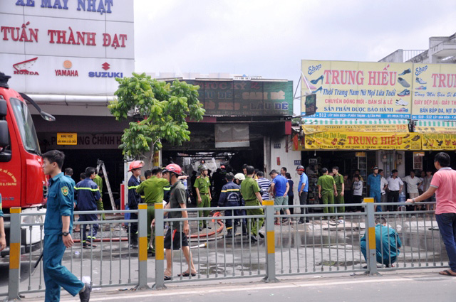 TP.HCM: Hai mẹ con chết cháy trong quán hủ tiếu - 2
