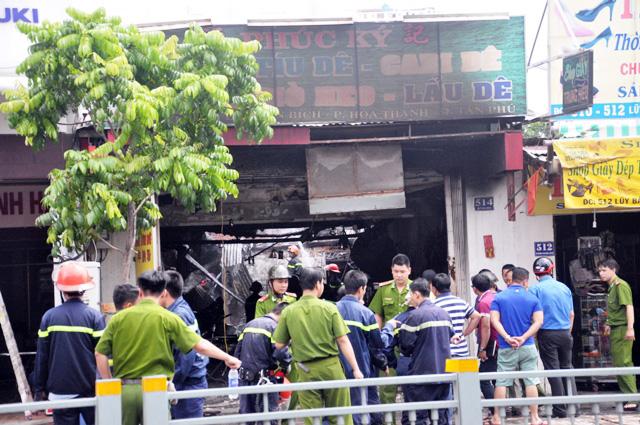 TP.HCM: Hai mẹ con chết cháy trong quán hủ tiếu - 5